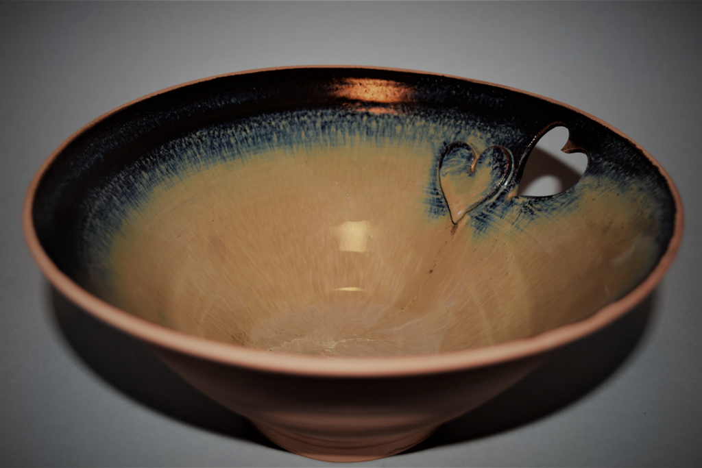 Large heart details bowl resized